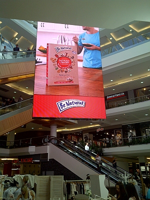 Large Format LED screen for indoor and outdoor